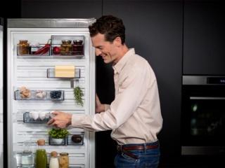 Не работает холодильник, а морозильная камера работает. Что делать?