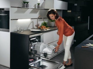 Технология экономии электроэнергии в посудомоечных машинах AEG