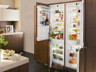 Сигнализация открытой двери в холодильниках AEG
