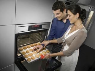Режим подогрева посуды в духовых шкафах AEG