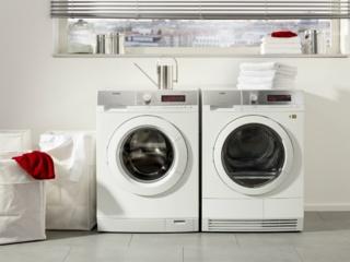 Бак из качественного пластика в стиральных машинах AEG