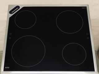 Подсветка панели управления в индукционных варочных поверхностях AEG